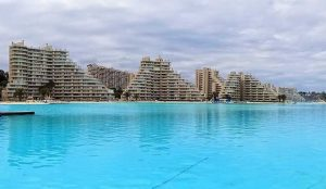 dive-into-the-worlds-most-amazing-swimming-pools-blog-1c