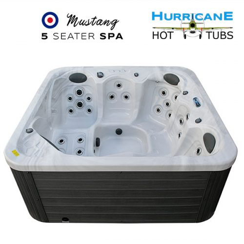 mustang-twin-lounger-5-person-spa-from-the-hurricane-hot-tubs-range-1b